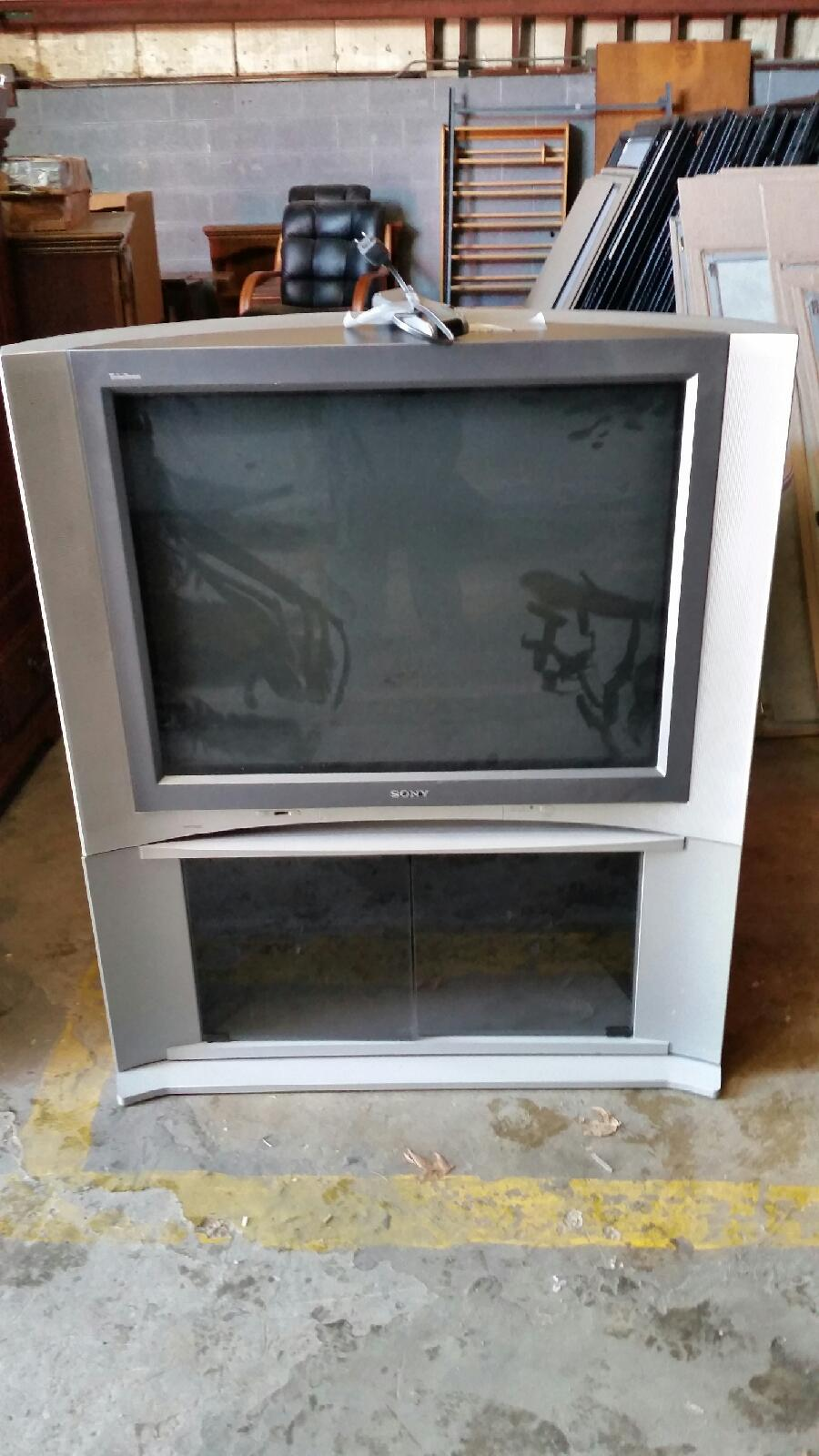 Remove and Dispose of Large Projection TV